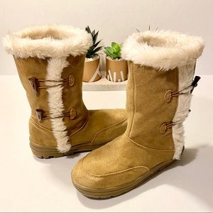 Sonoma Suede Faux Fur Lined Boots Size 8